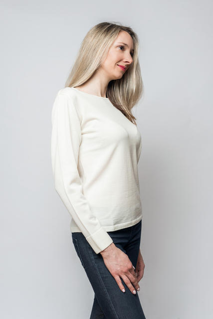 Women's wool sweater made of Extra Fine Merino wool - Vanilla Ice, S - 2